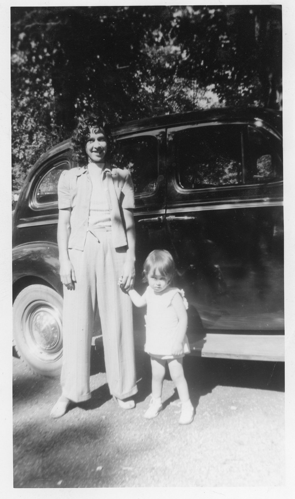The author and her mother in Chicago in 1941.